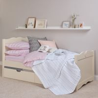 Sweetheart Children's Single Bed - Antique White