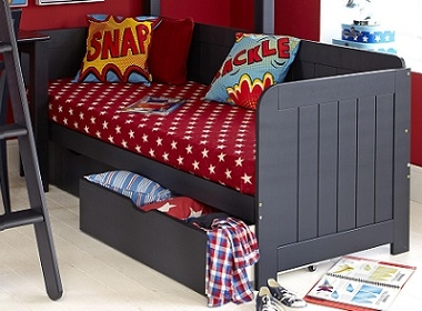 Stand alone daybed